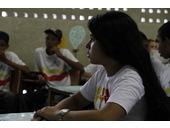 Schüler diskutieren über ihre Vorschläge.